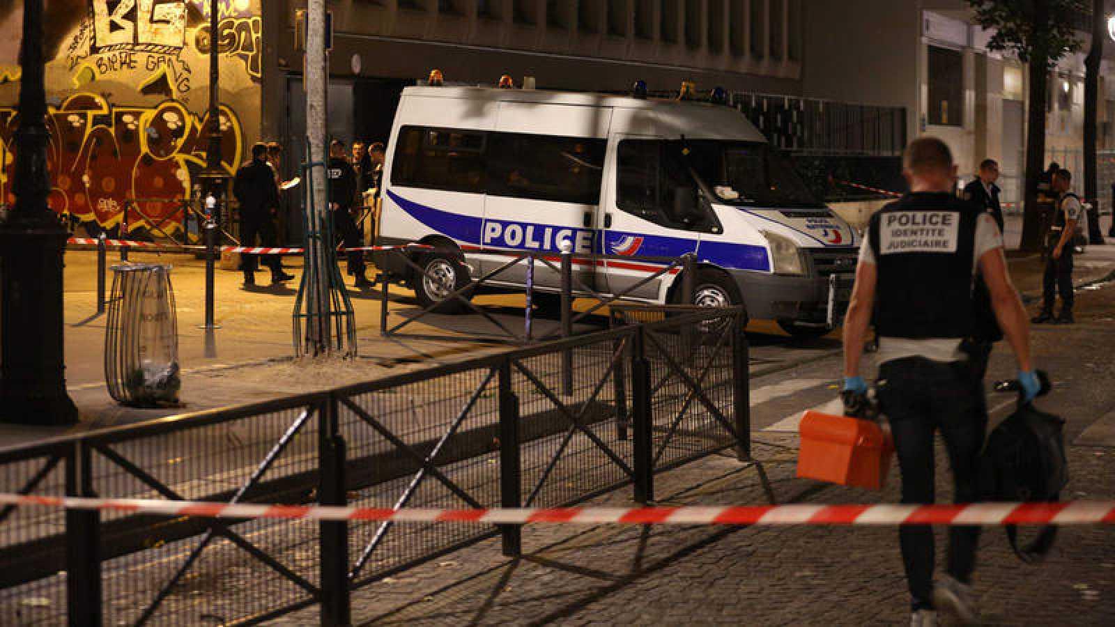Al menos siete heridos por un ataque con cuchillo en París