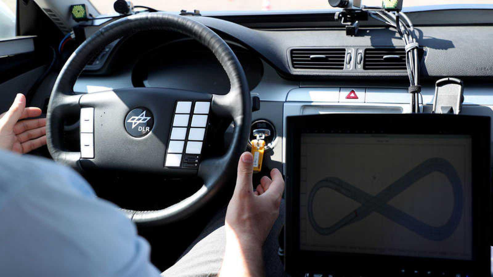 La DGT a favor de los asistentes de velocidad integrados en los coches