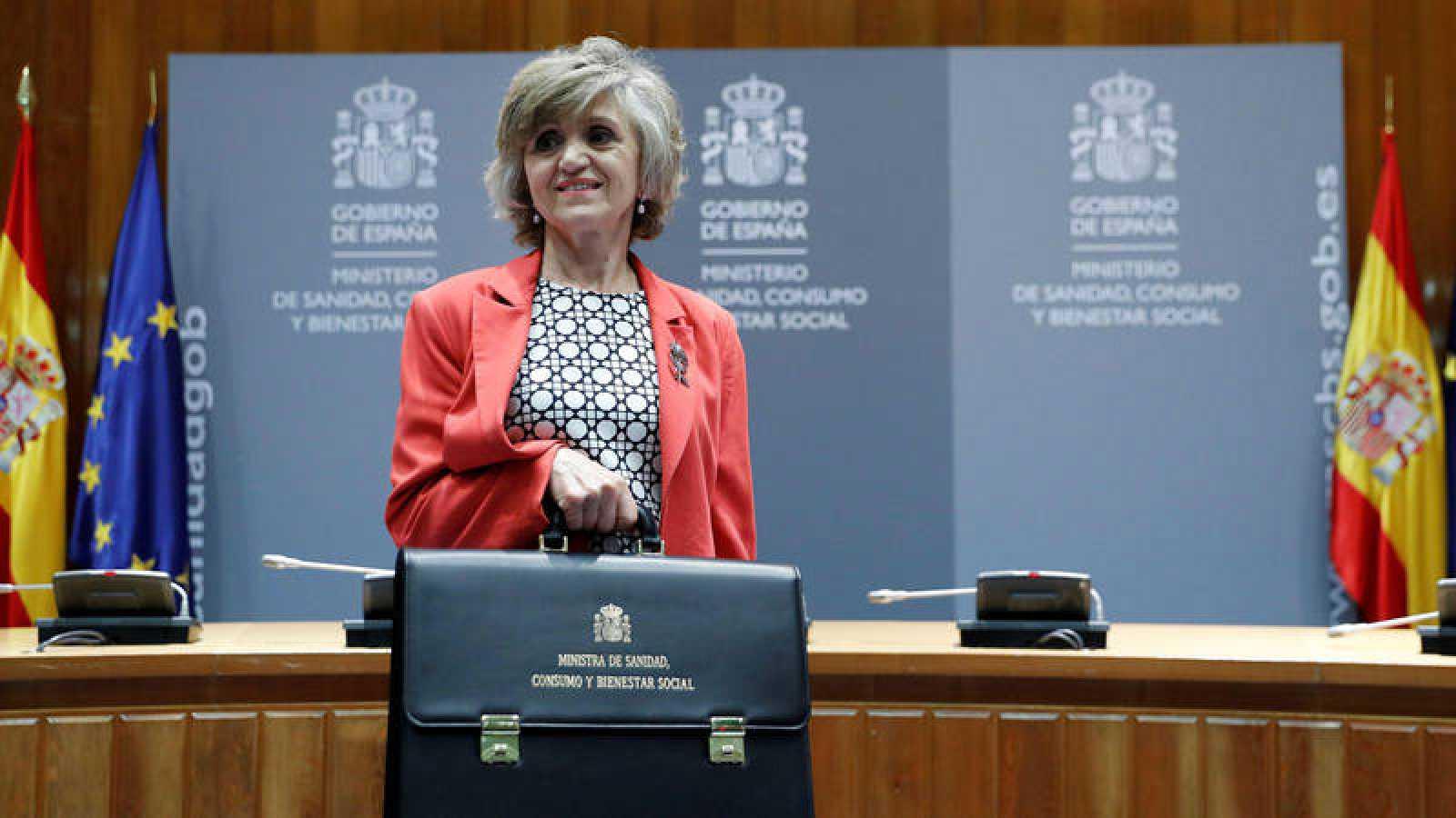 La nueva ministra de Sanidad, María Luisa Carcedo, tras recibir la cartera