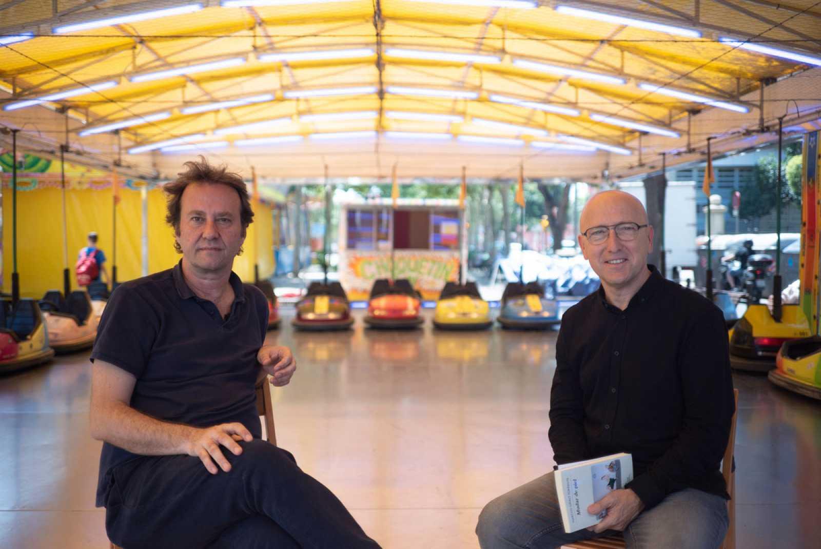 Óscar López charla con Marcos Giralt Torrente