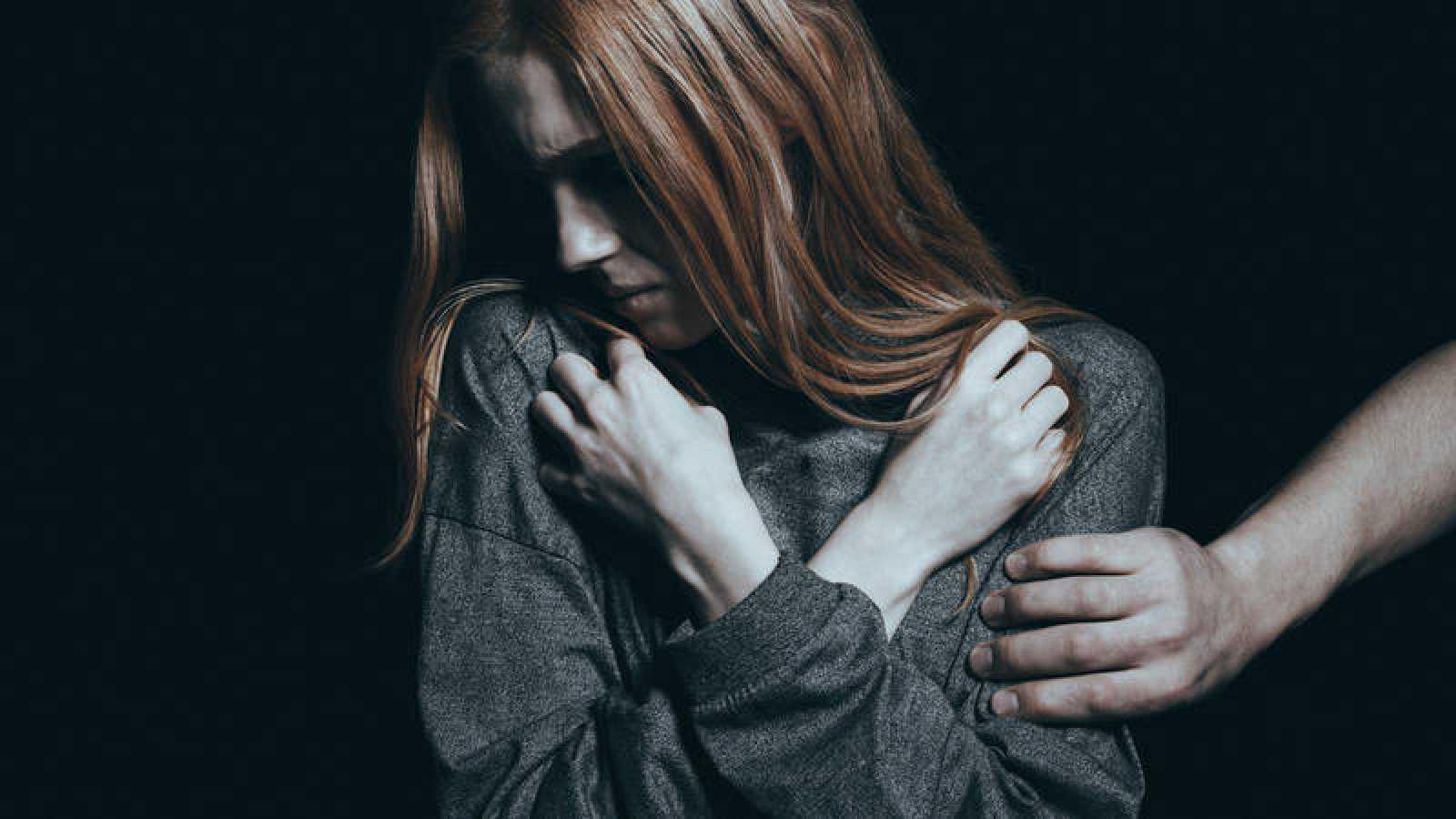 Fotografía de recurso de una mujer abusada