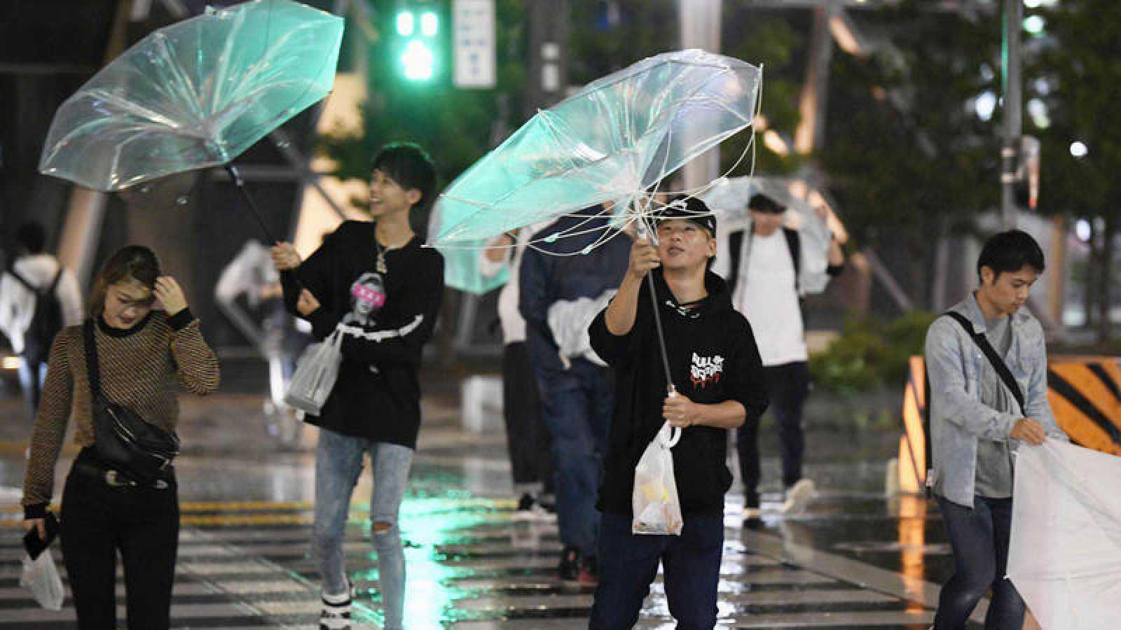 El tifón Trami deja al menos dos muertos y 120 heridos a su paso por Japón