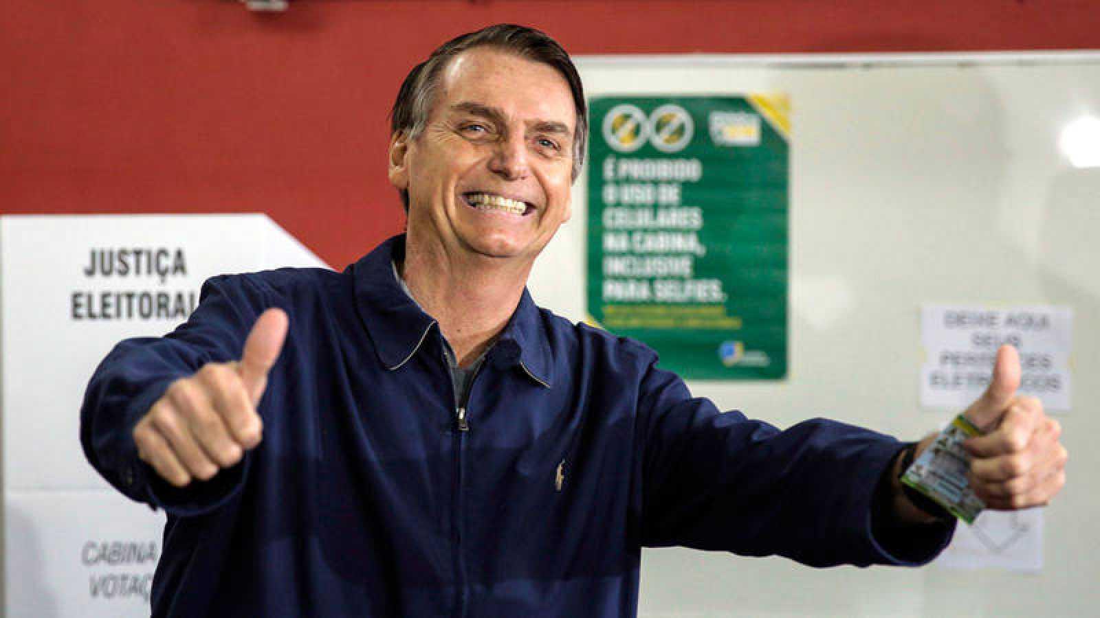El candidato ultraderechista Jair Bolsonaro ha vencido en la primera vuelta de las presidenciales brasileñas con un 46,03% de los votos