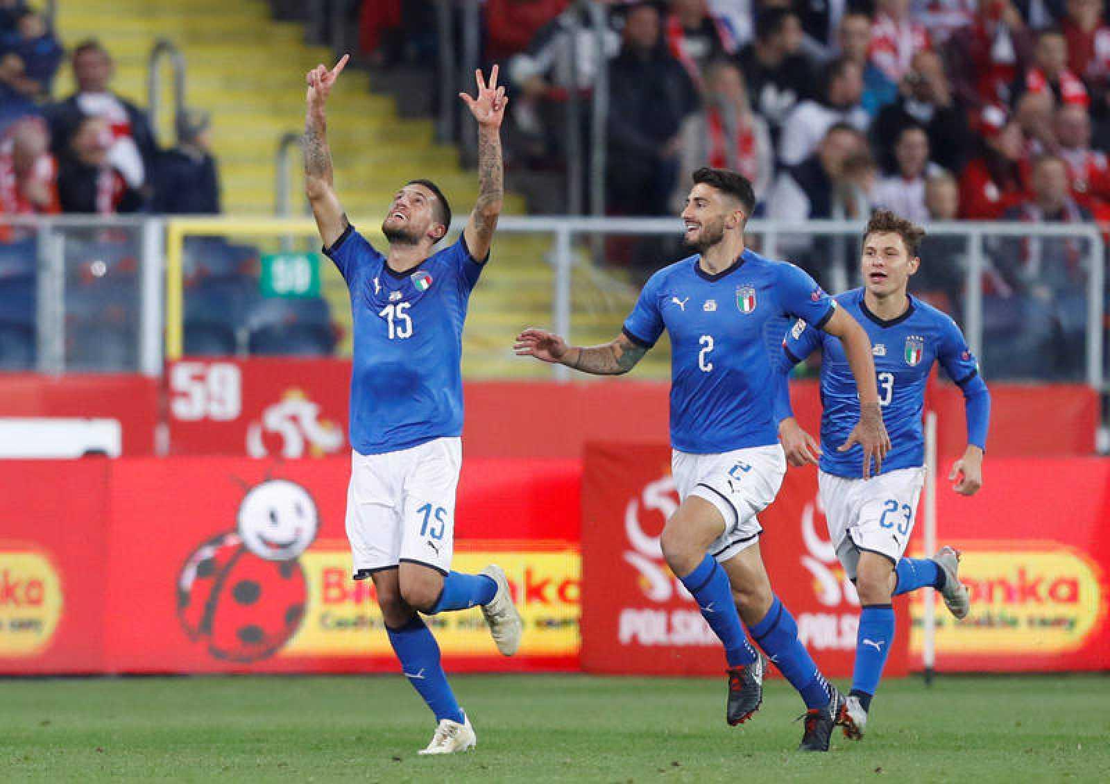 Cristiano Biraghi celebra su tanto ante Polonia, que supuso la victoria por la mínima de Italia.