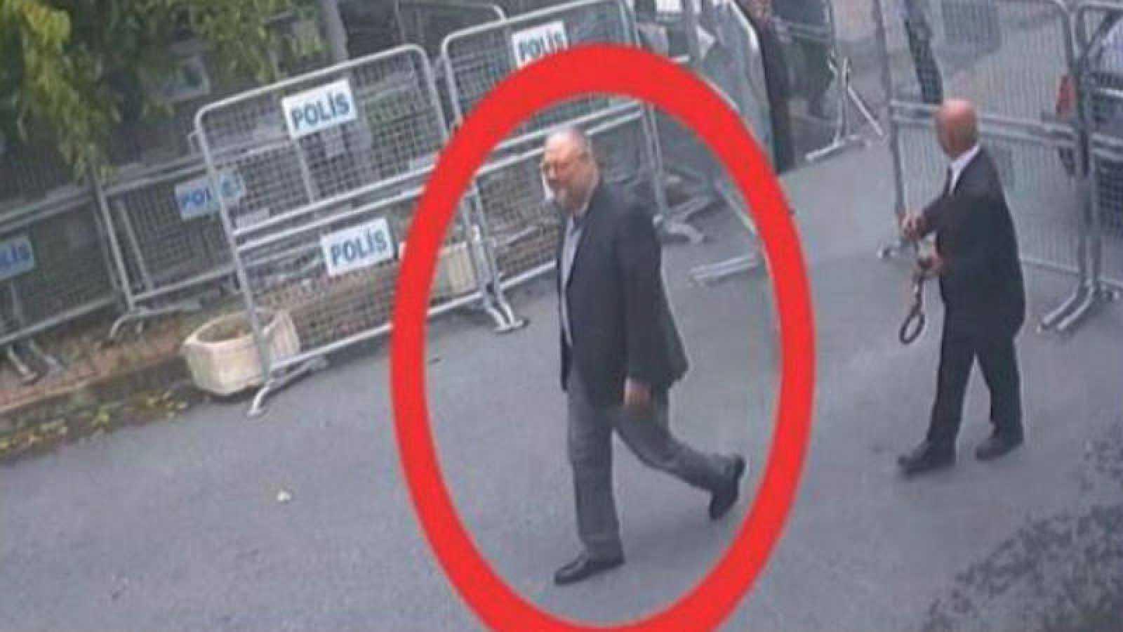 Jamal Khashoggi llega al consulado saudí en Estambul el 2 de octubre