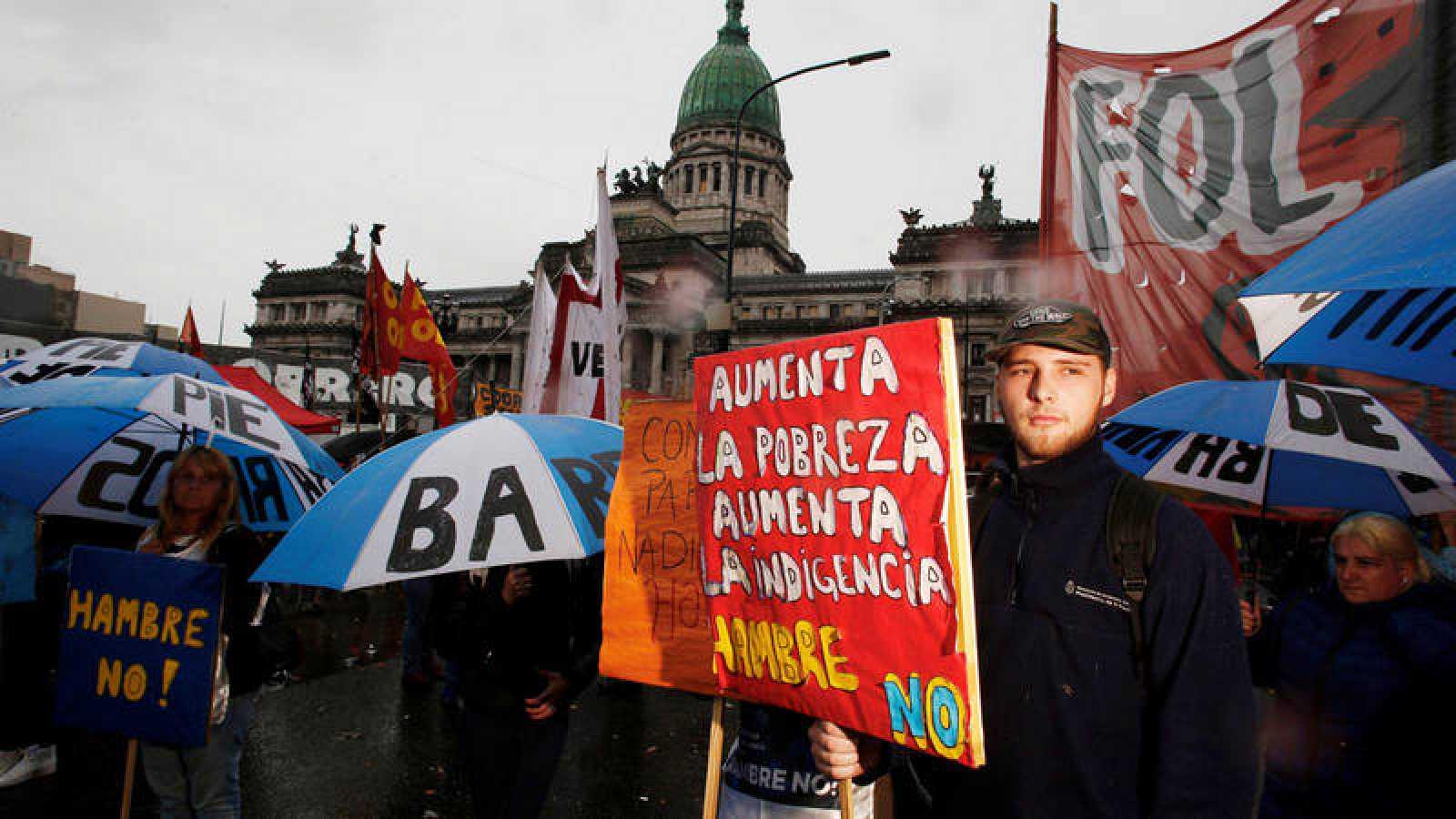 Argentina Presupuestos: El Congreso argentino aprueba los Presupuestos con disturbios en las calles - RTVE.es