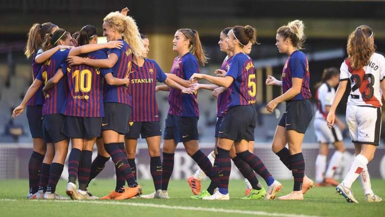Las jugadoras del Barça femenino durante un partido ante el Rayo.