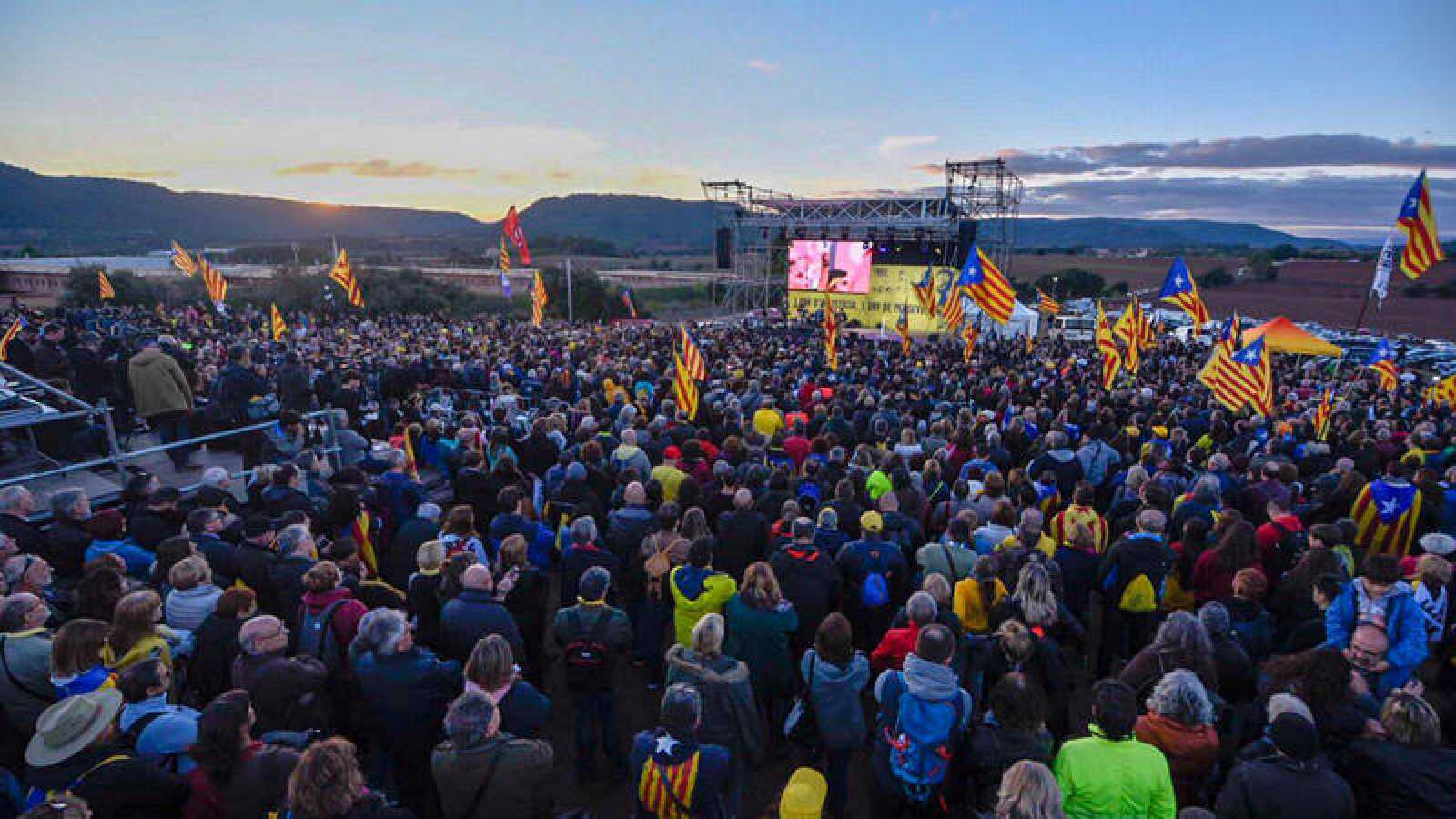 Imagen difundida por ERC de la concentración frente a la cárcel de Lledoners