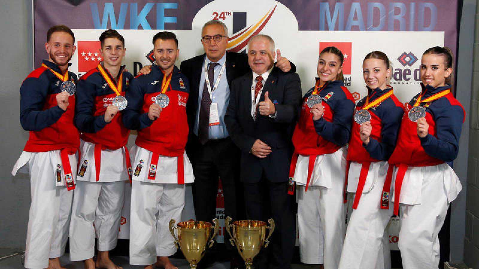 España cierra los Mundiales con dos platas en kata por equipos