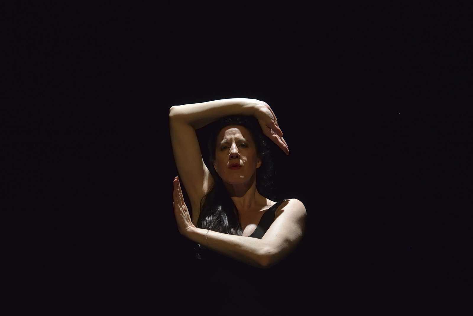 María Pagés, una creadora incansable, disciplinada, una coreógrafa que en cada ensayo depura el movimiento del cuerpo en su necesaria abstracción