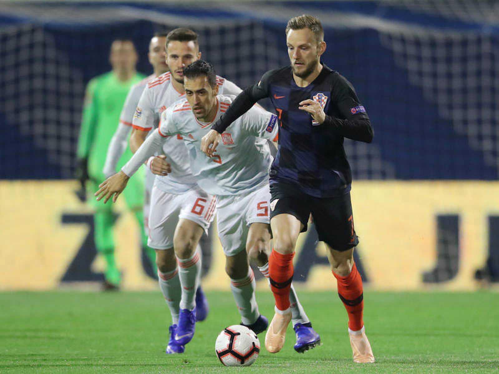 Rakitic se ha lesionado en el partido de la Liga de Naciones frente a España.
