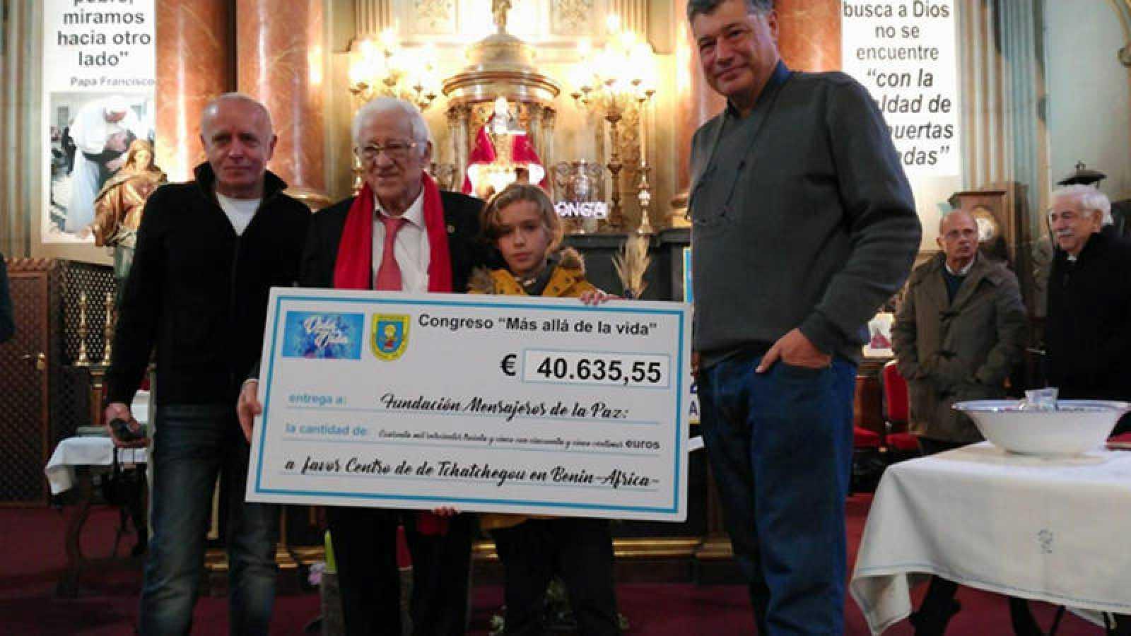 Miguel Blanco, el padre Ángel, Rafael Campillo y Gabriel Blanco, con el talón.