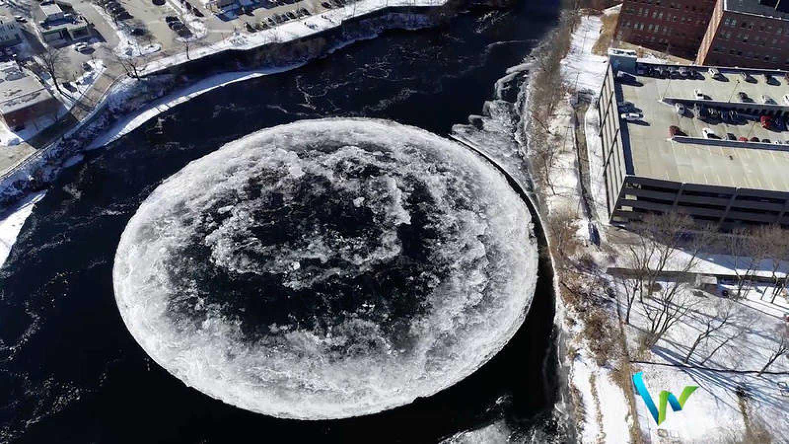 Imagen aérea del disco de hielo surgido en el río Presumpscot.