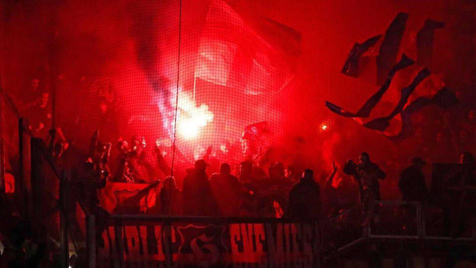 Imagen de los boixos en la grada del Groupama Stadium