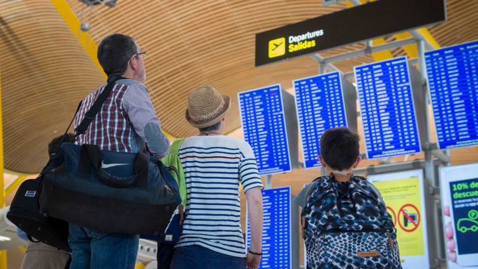 La población española residente en el extranjero aumentó un 2,5% en 2018