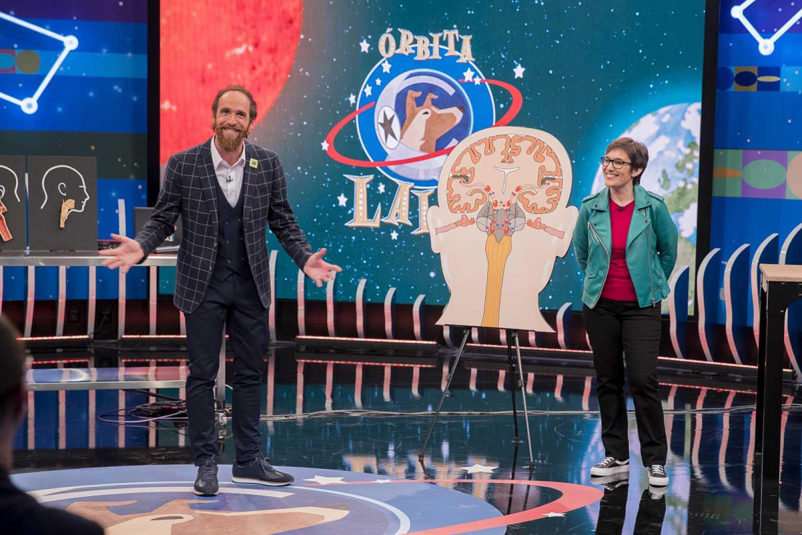 Edu Sáenz de Cabezón y Carmen Agustín hablan de música desde la neurociencia en Órbita Laika