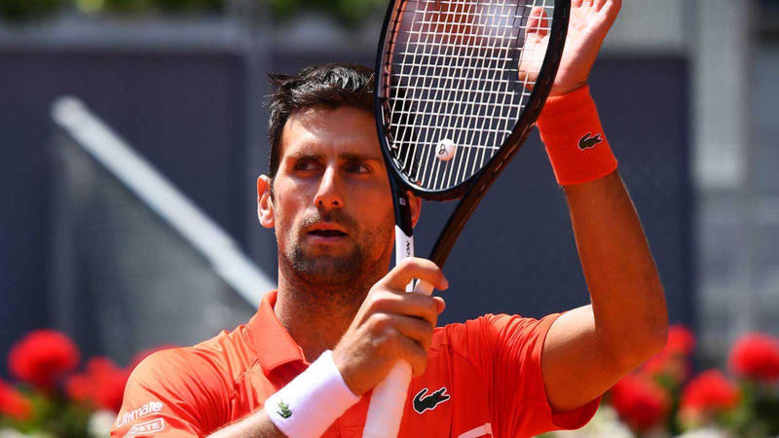Novak Djokovic jugará las semifinales del Madrid Open tras la baja de Cilic.