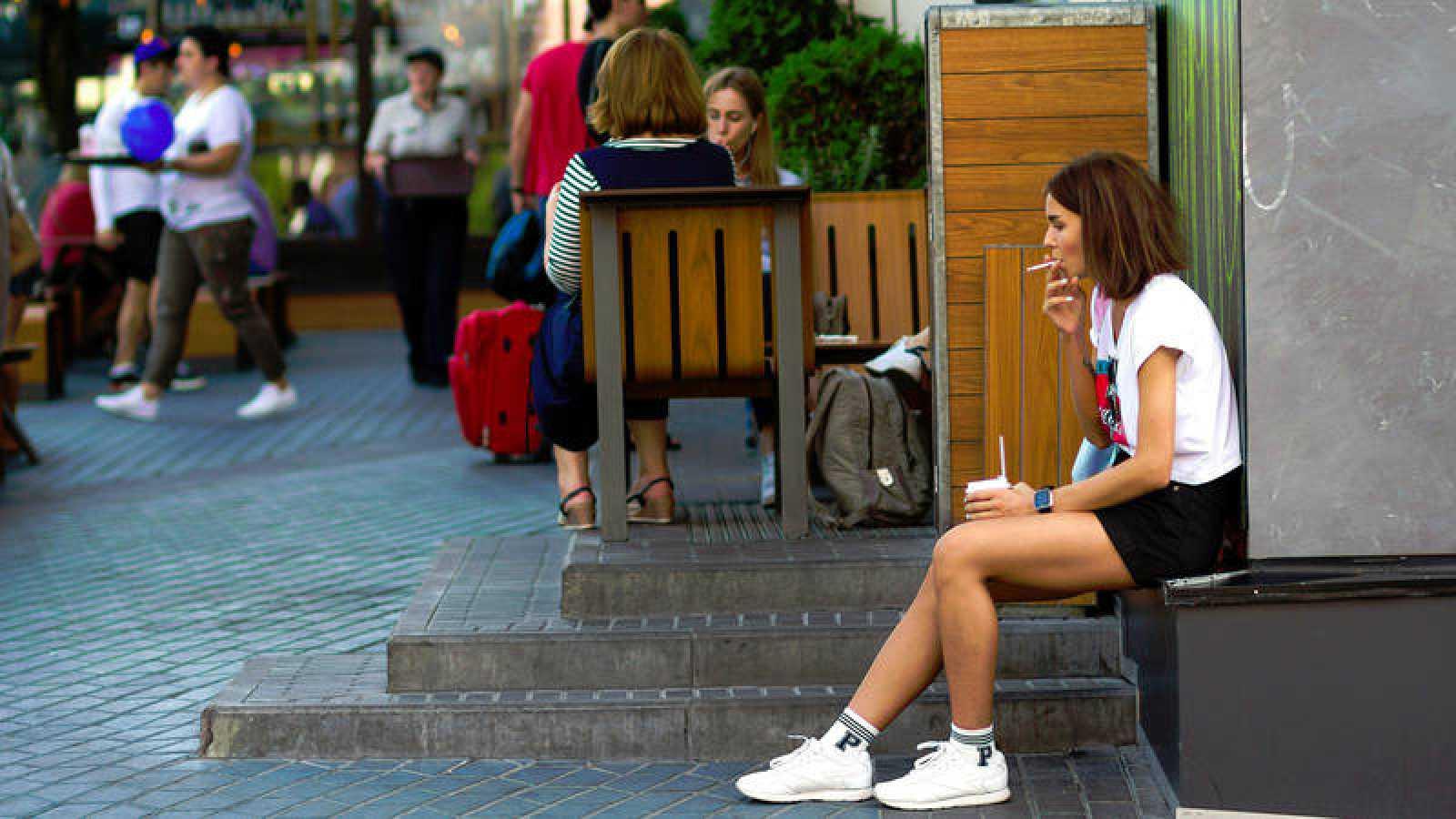 Empezar a fumar tabaco a una edad precoz aumenta el riesgo de muerte y de enfermedad cardiovascular a una edad más temprana.