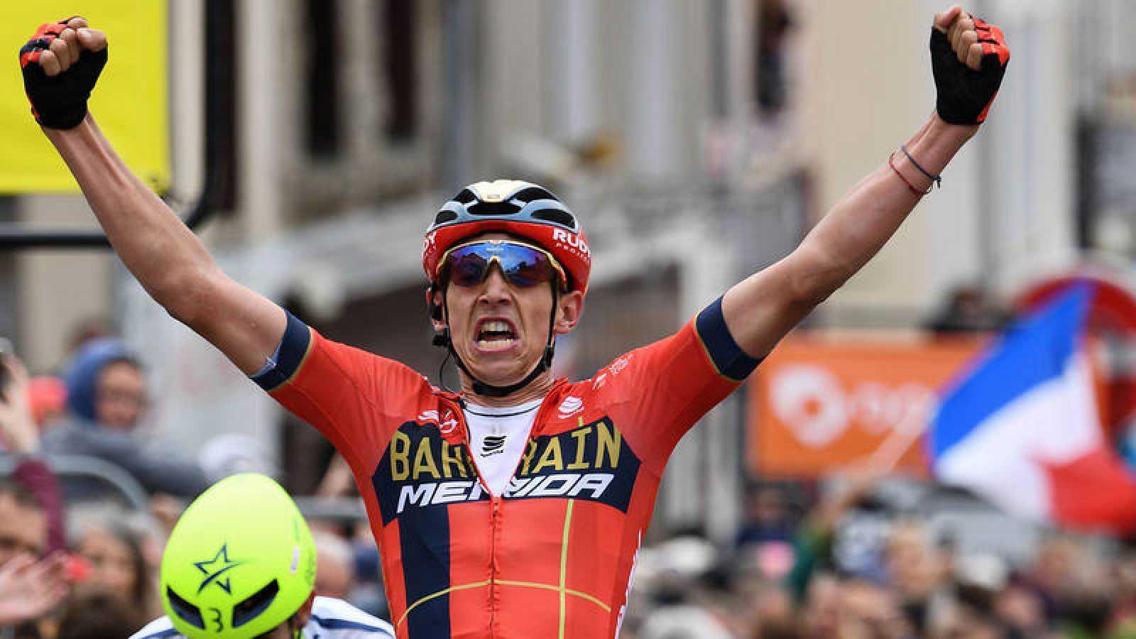 Teuns gana la segunda etapa en la Dauphiné y se viste de amarillo