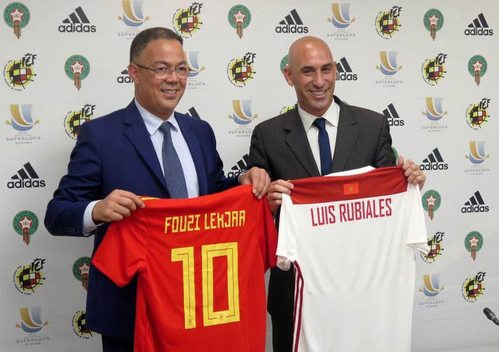 Los presidentes de las federaciones de fútbol de Marruecos (i) y España