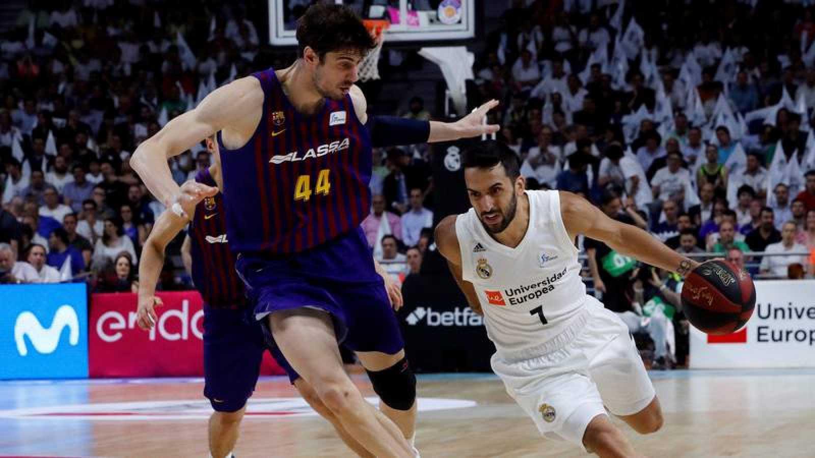 El Barça iguala la final tras vencer al Madrid
