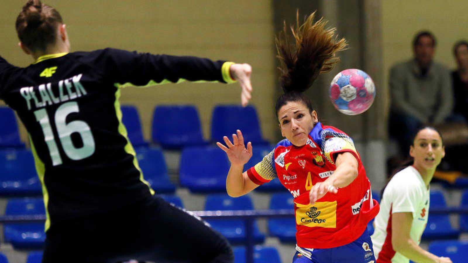 Carmen Martín, en un partido con España.