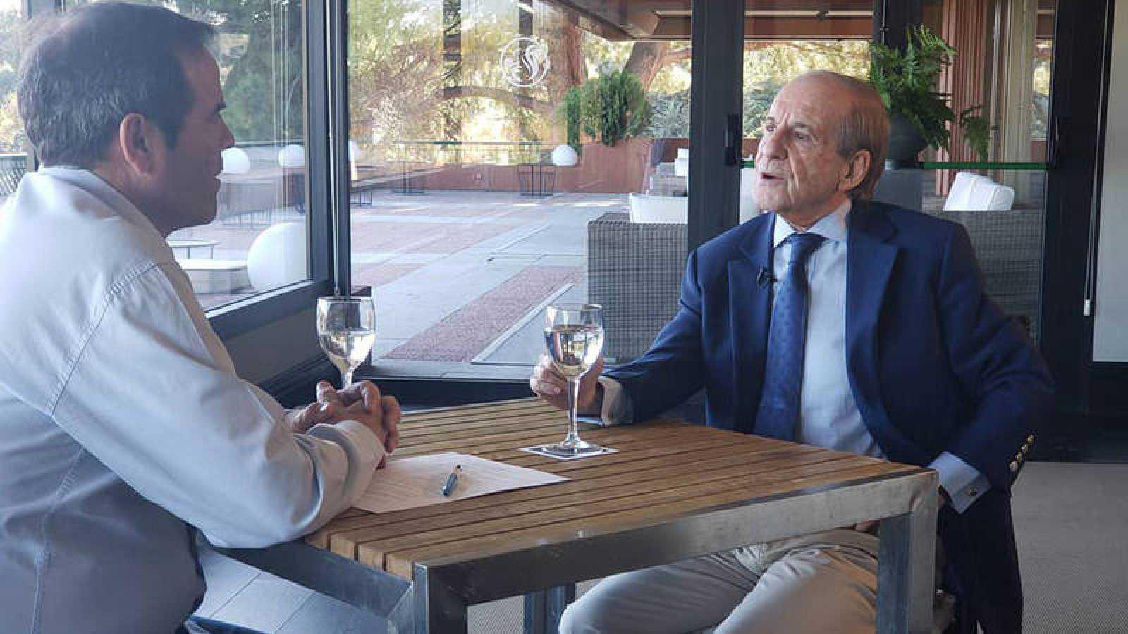 José María García junto a Paco Grande