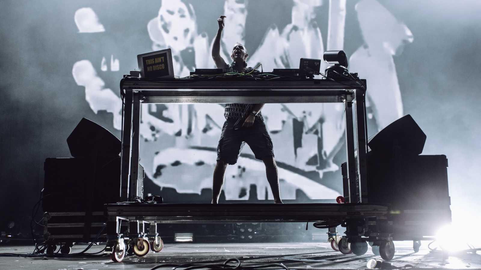 Fatboy Slim en un momento de su actuación en el FIB 2019