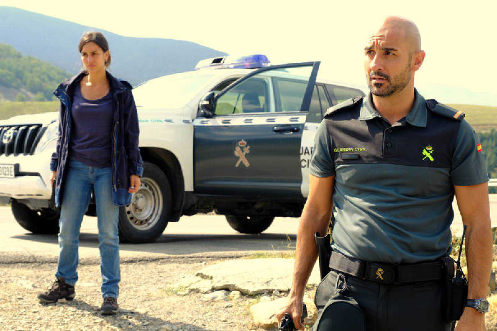Megan Montaner y Alain Hernández en 'La caza'
