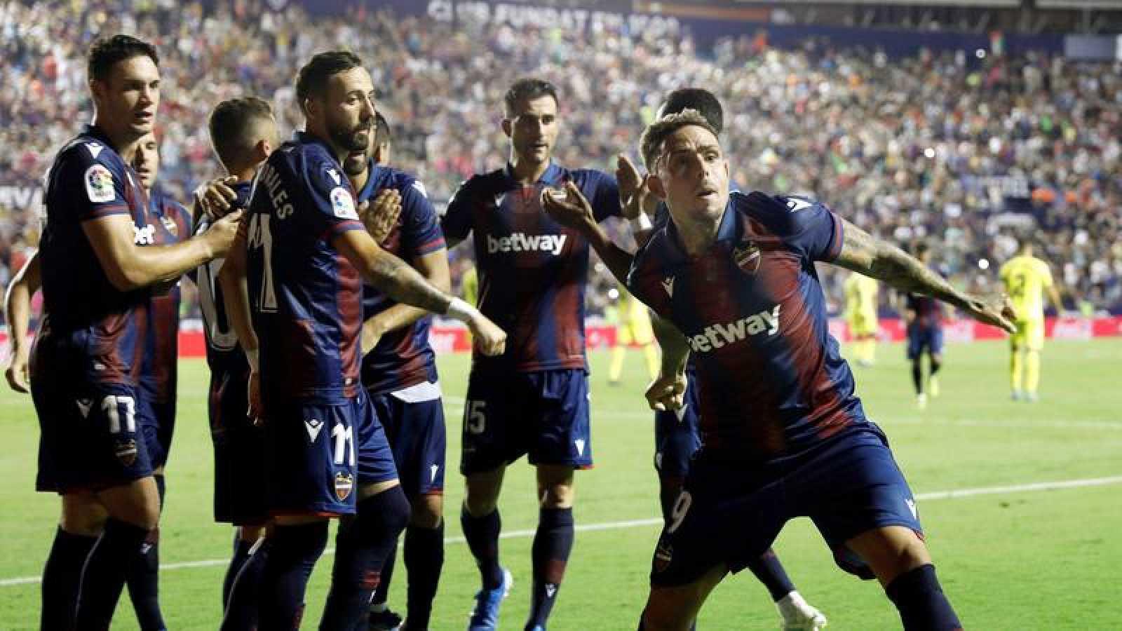 El Levante remonta al Villarreal desde el punto de penalti