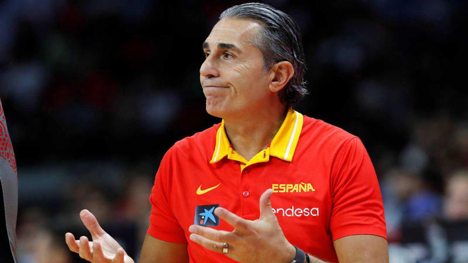El seleccionador de baloncesto español, Sergio Scariolo, durante el partido ante Irán.