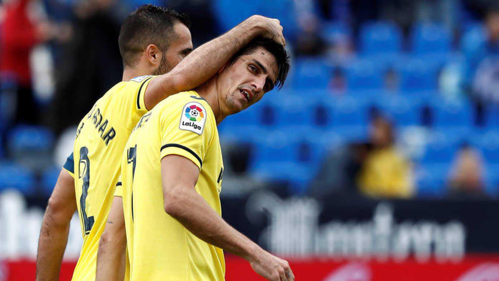 El delantero del Villarreal Gerard Moreno (d), celebra un gol en el partido ante el Leganés.