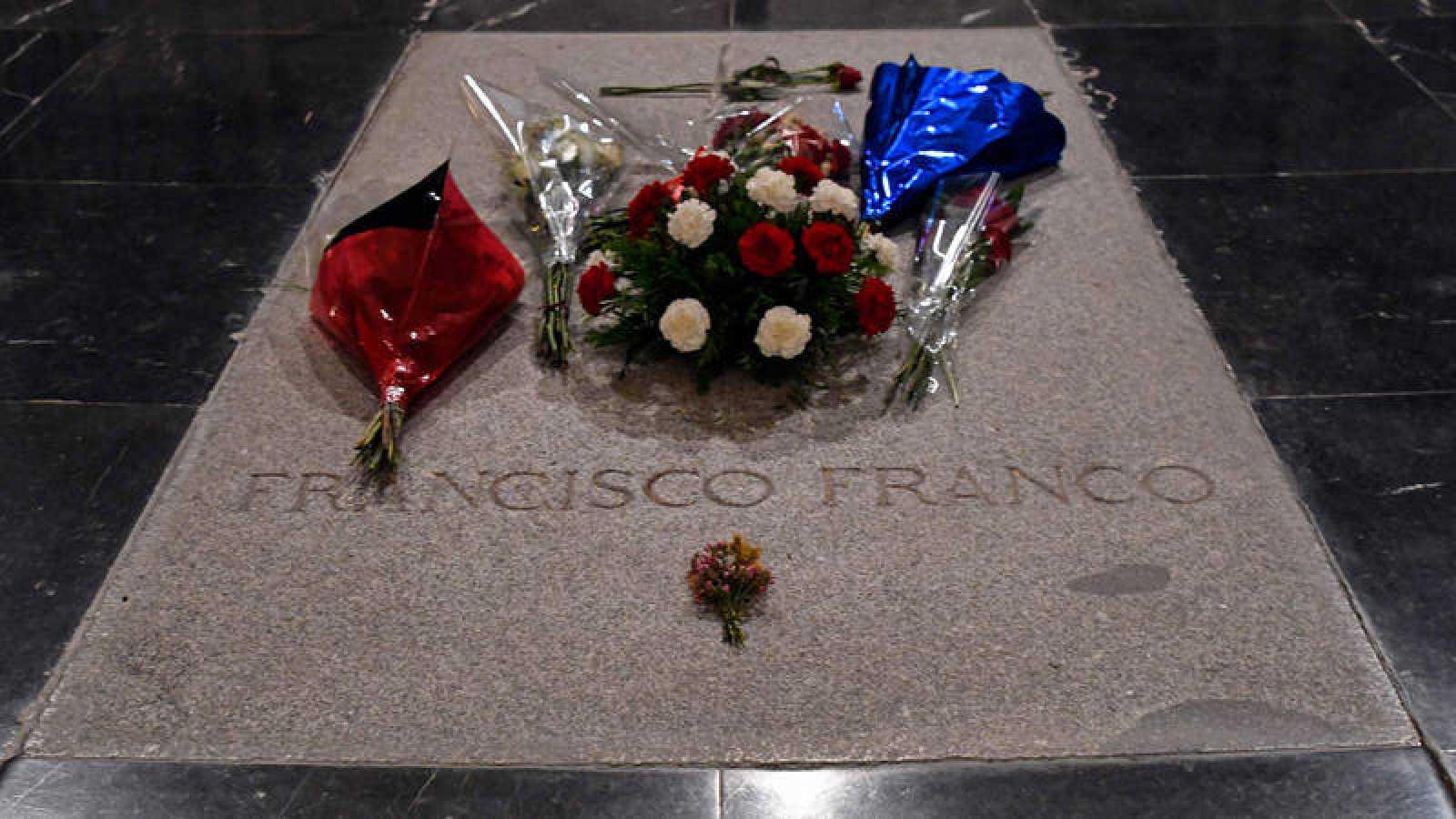Imagen de archivo de la tumba del dictador Franco en la basílica del Valle de los Caídos