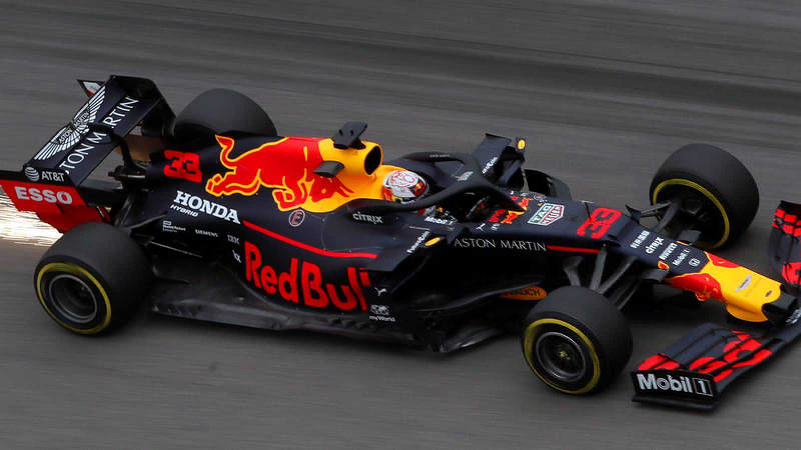 Verstappen y Leclerc dominan los libres en Sochi por delante de Mercedes