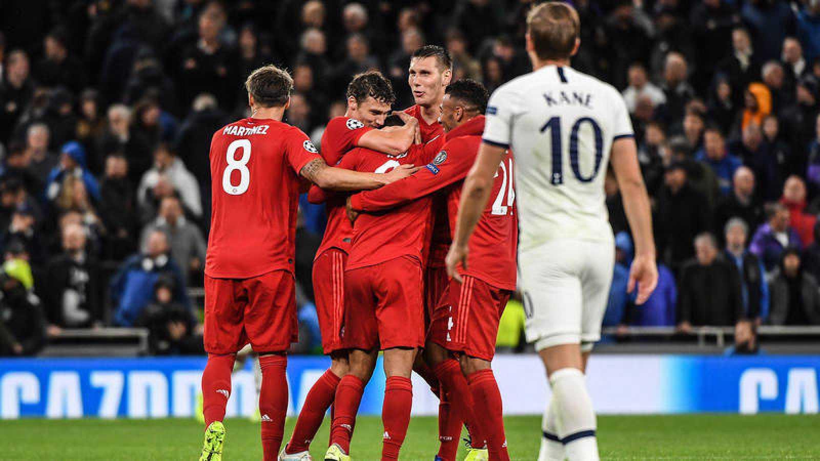 Los jugadores del Bayern celebran su goleada al Tottenham.