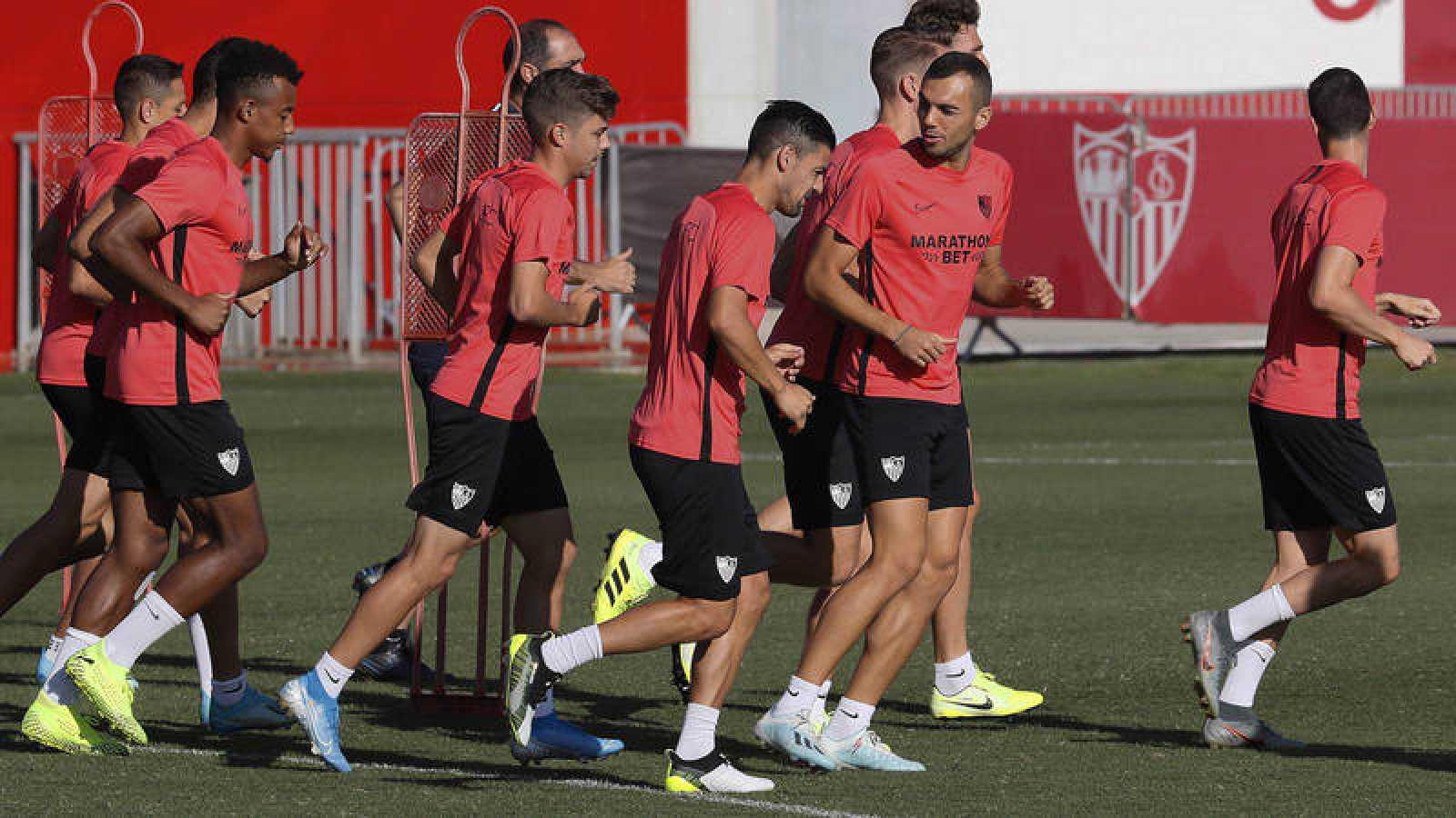 Entrenamiento del Sevilla previo al partido frente al APOEL Nicosia