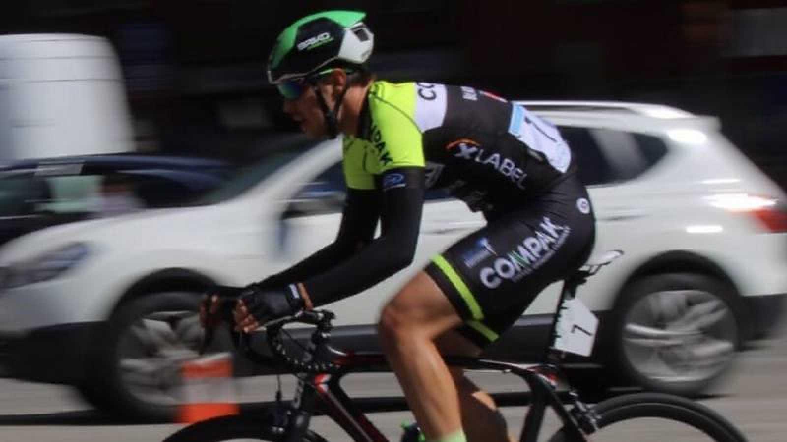 Ciclista español atropellado