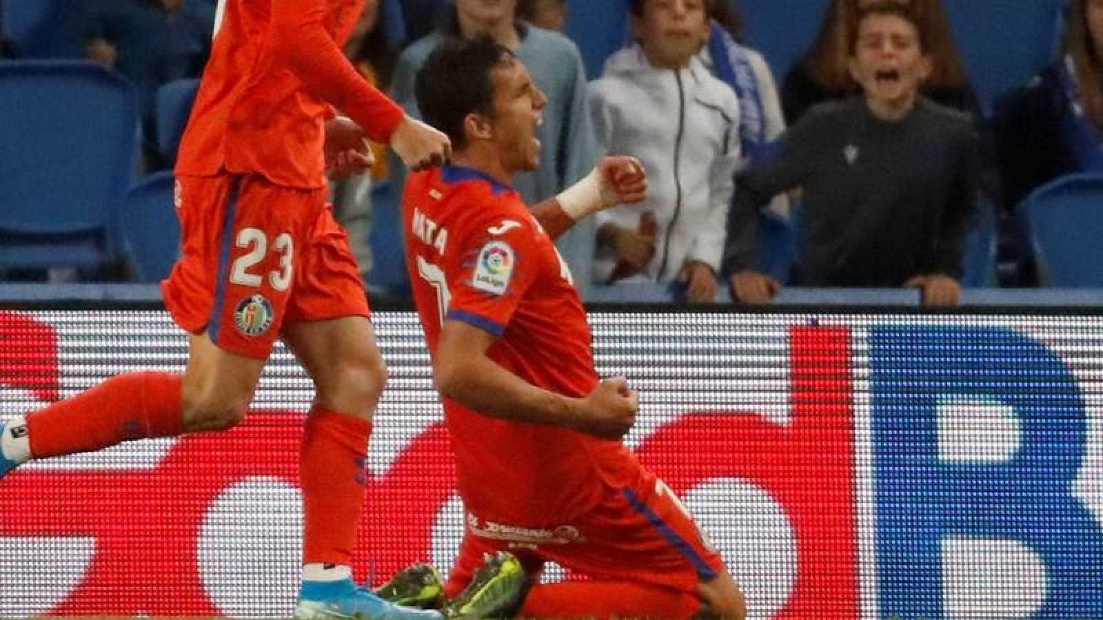 Mata celebra el primer gol del Getafe