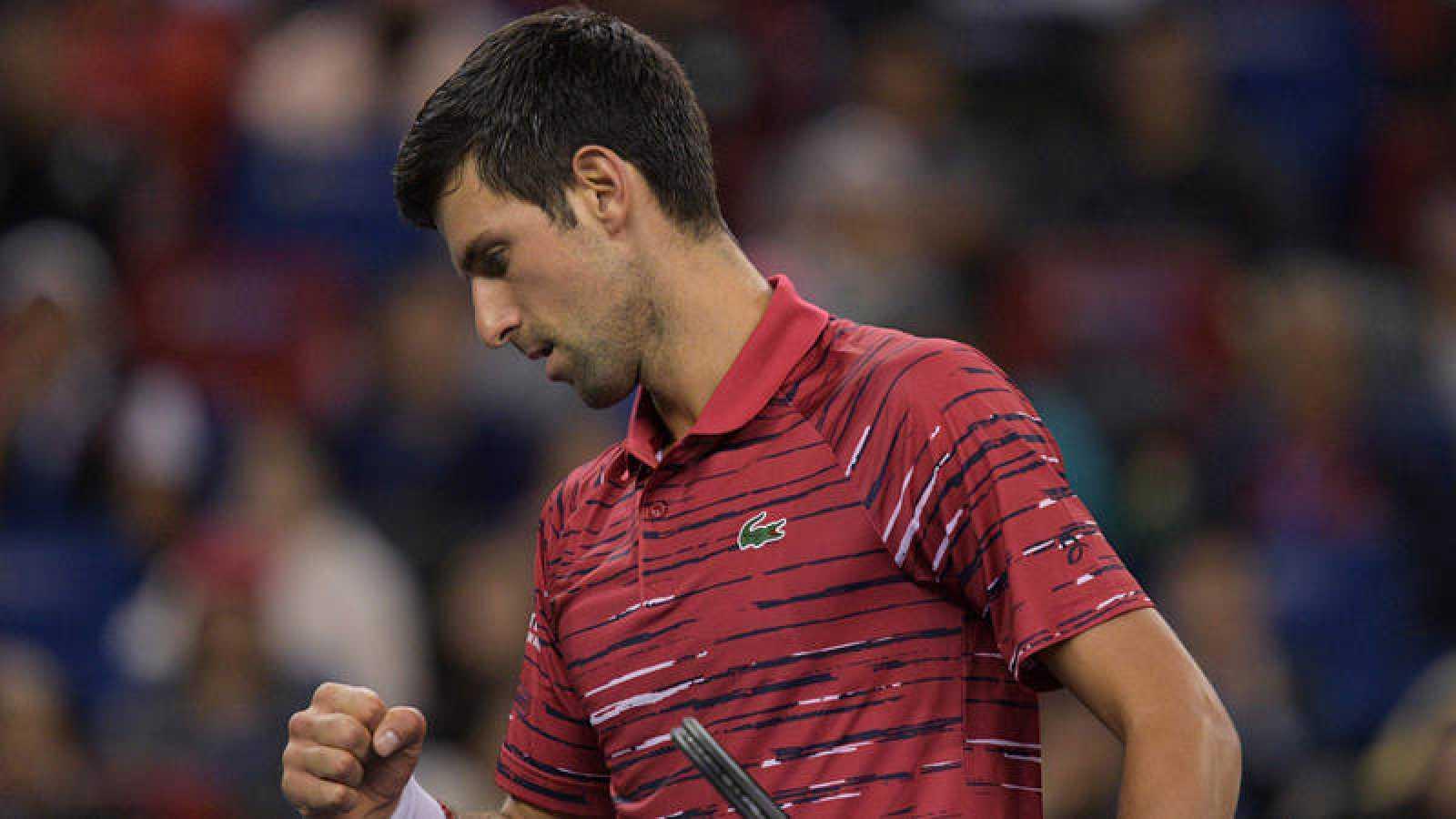 Novak Djokovic debuta con victoria ante Shapovalov en Shangái