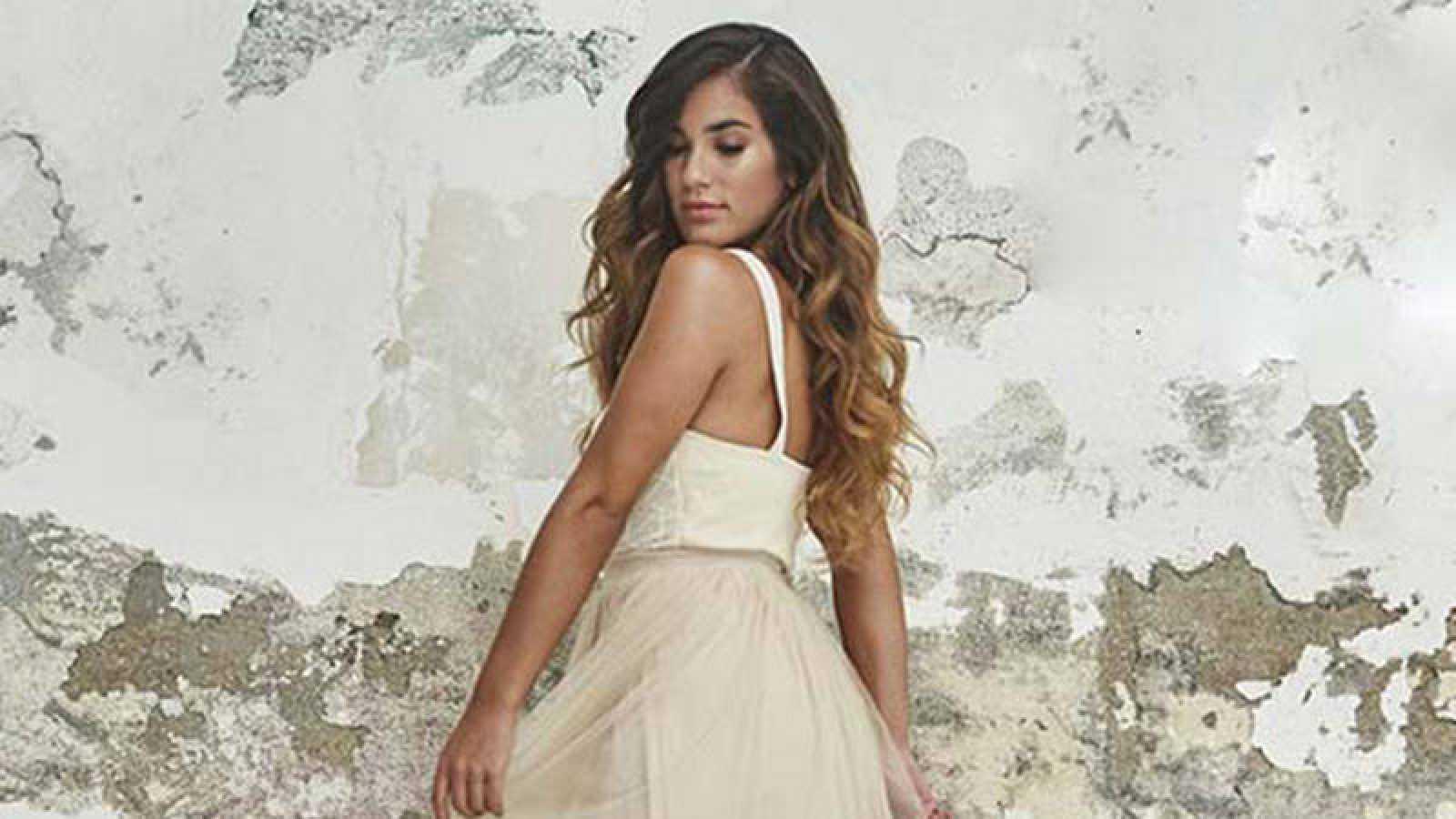 Julia Medina lanza su primer single: 'Dime'