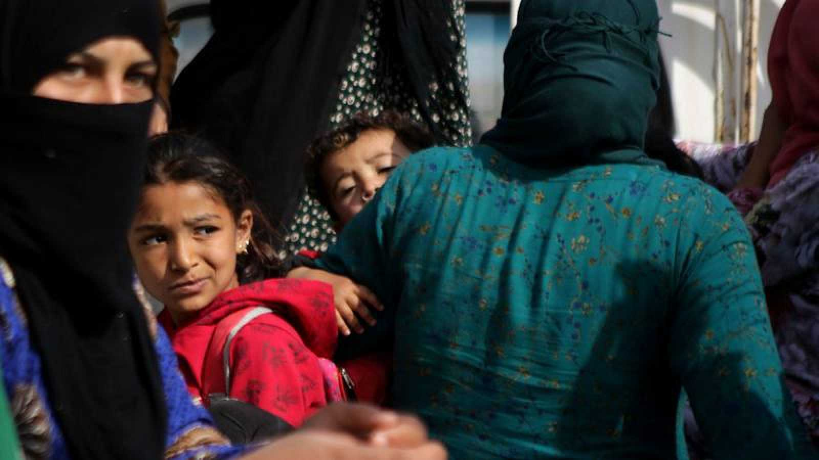 Desplazados sirios regresan a sus casas en Ayn al-Arus
