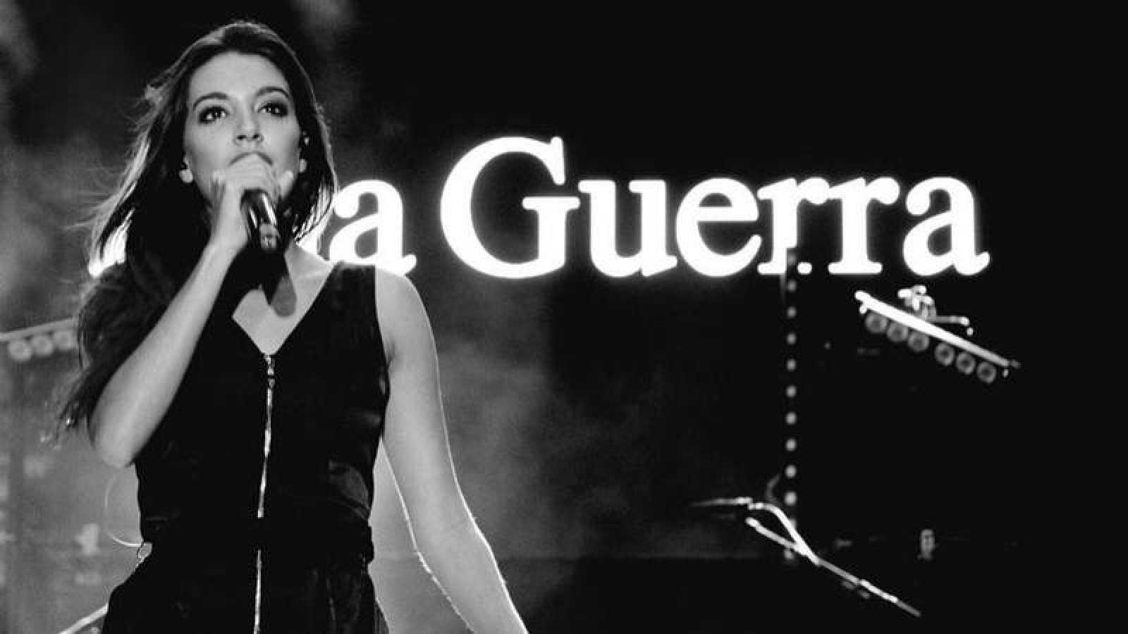 Ana Guerra durante uno de los conciertos de su gira por España