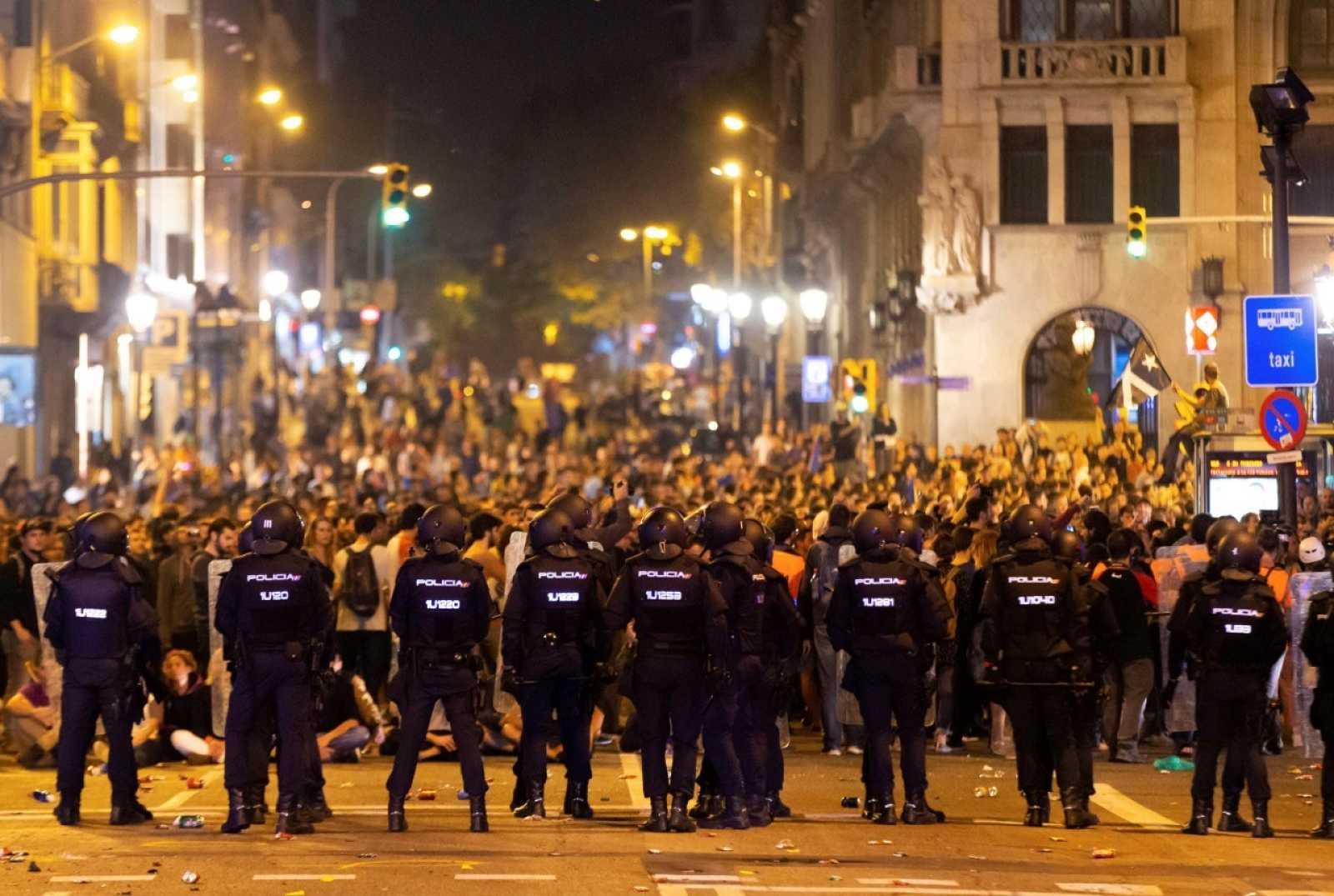 Manifestants a Via Laietana, Barcelona