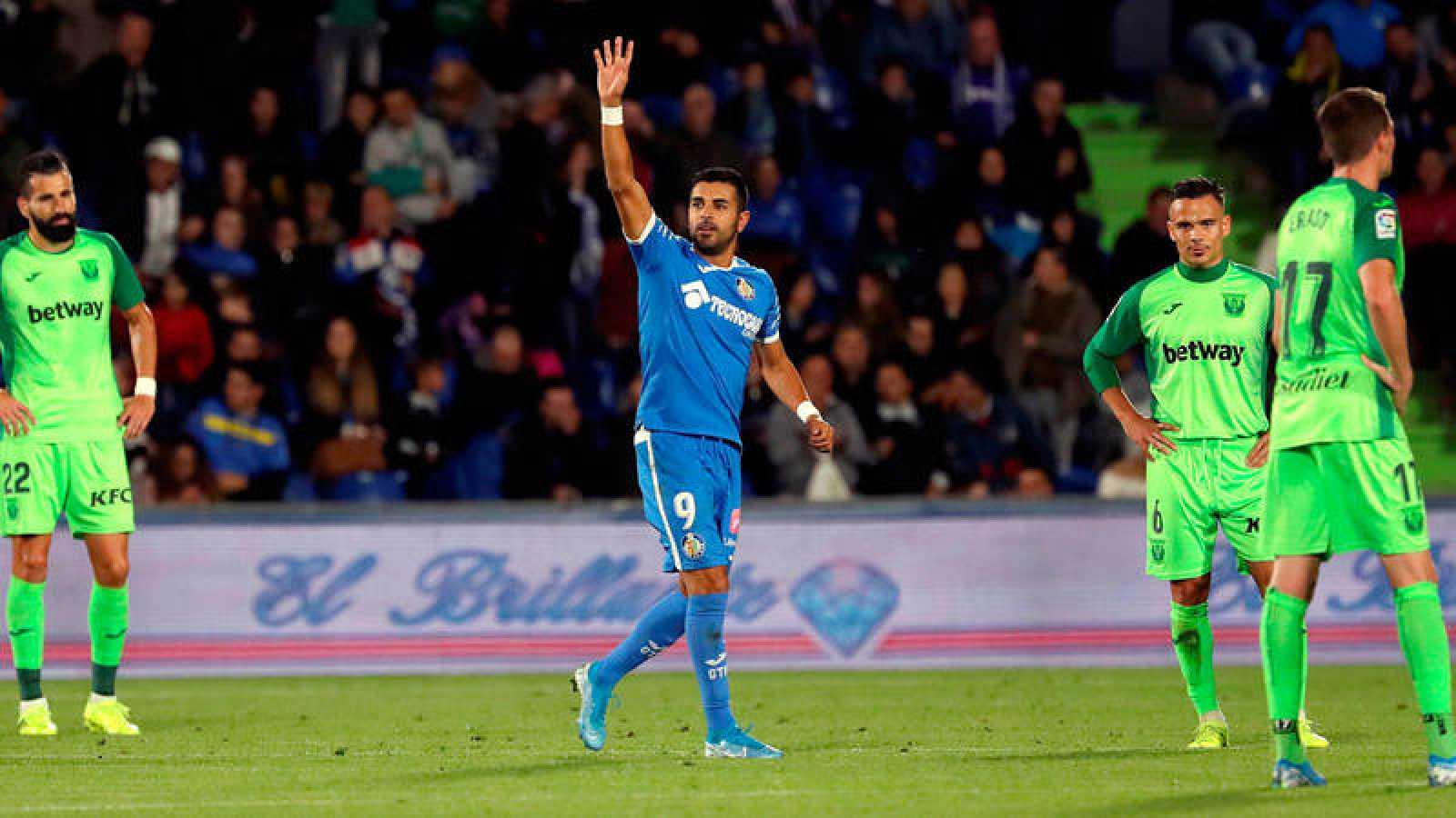 Ángel celebra uno de sus goles