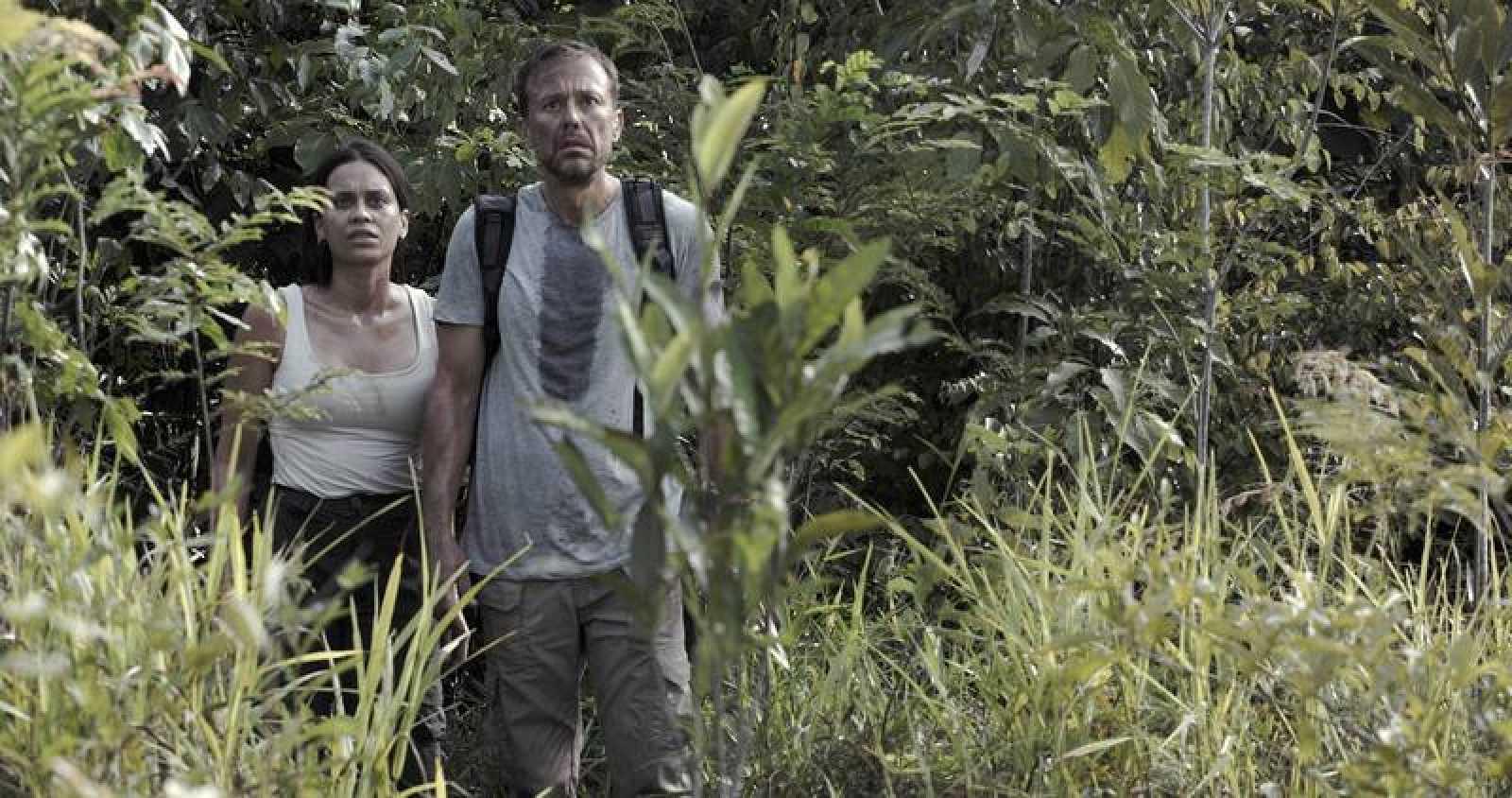 Carlos Urrutia y Clarice Alves, en una imagen de la película