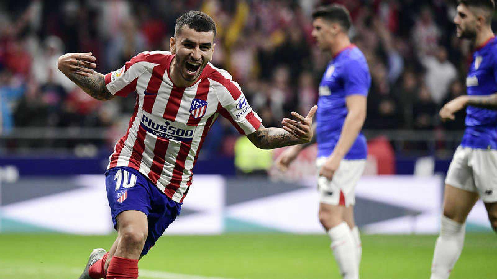 Ángel Correa celebra el primer gol del Atlético, obra de Saúl Ñíguez.