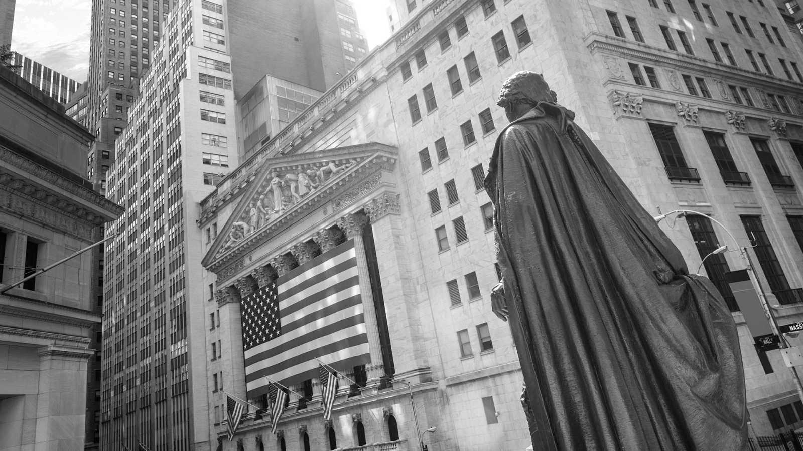 Exterior de la bolsa de Nueva York, situado en el número 11 de Wall Street