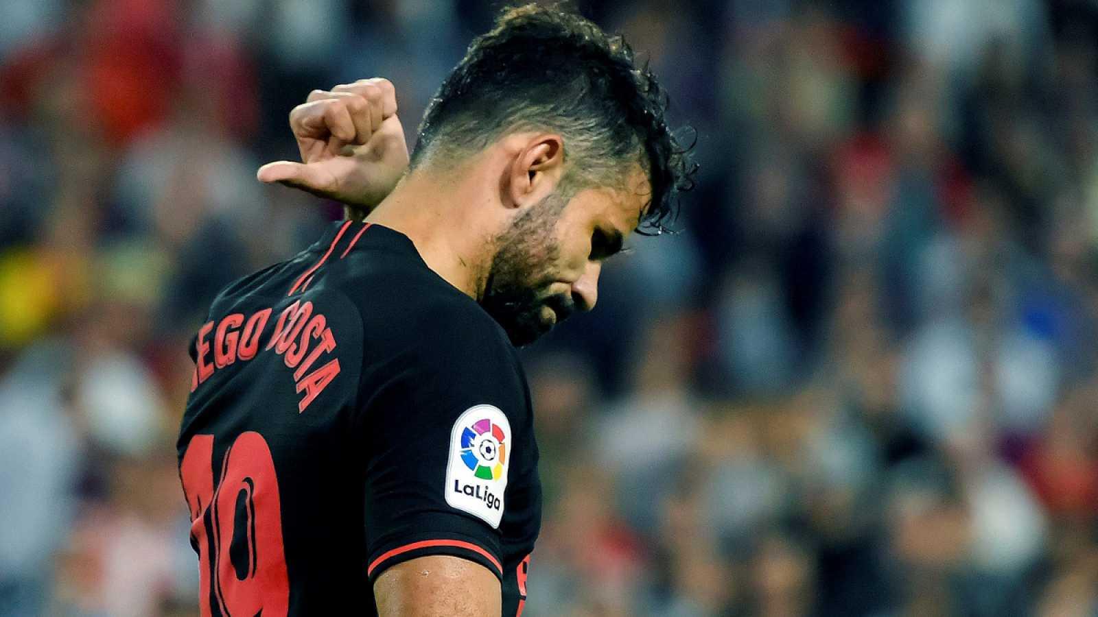 Diego Costa lamenta el penalti fallado