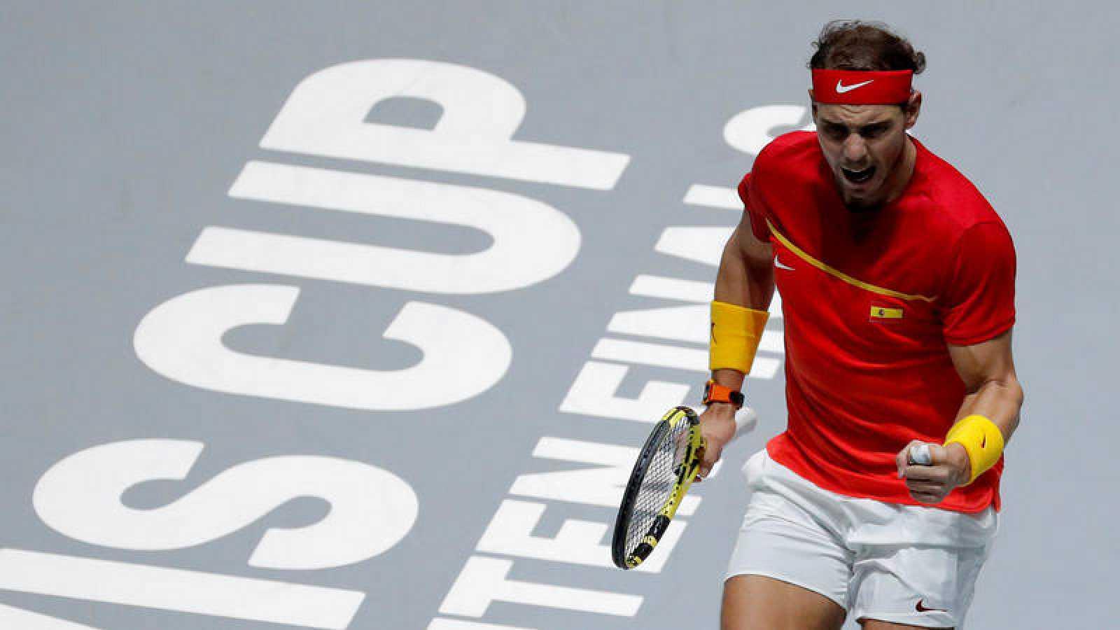 El tenista español Rafa Nadal celebra un punto en la final de Copa Davis.