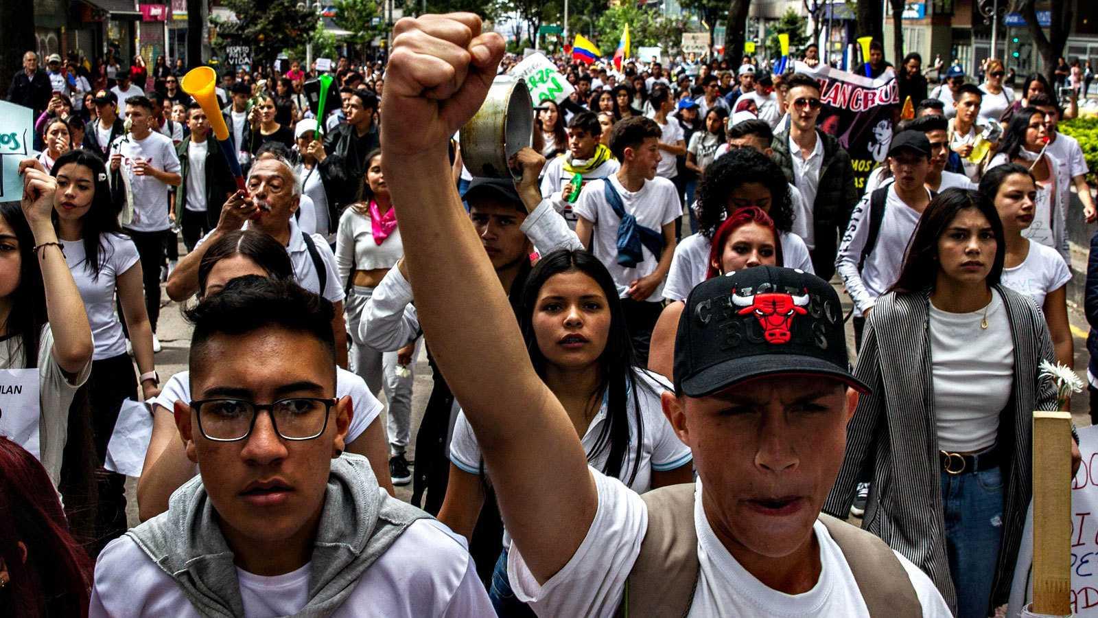 Las protestas continúan en Colombia pese al inicio del diálogo con el Gobierno